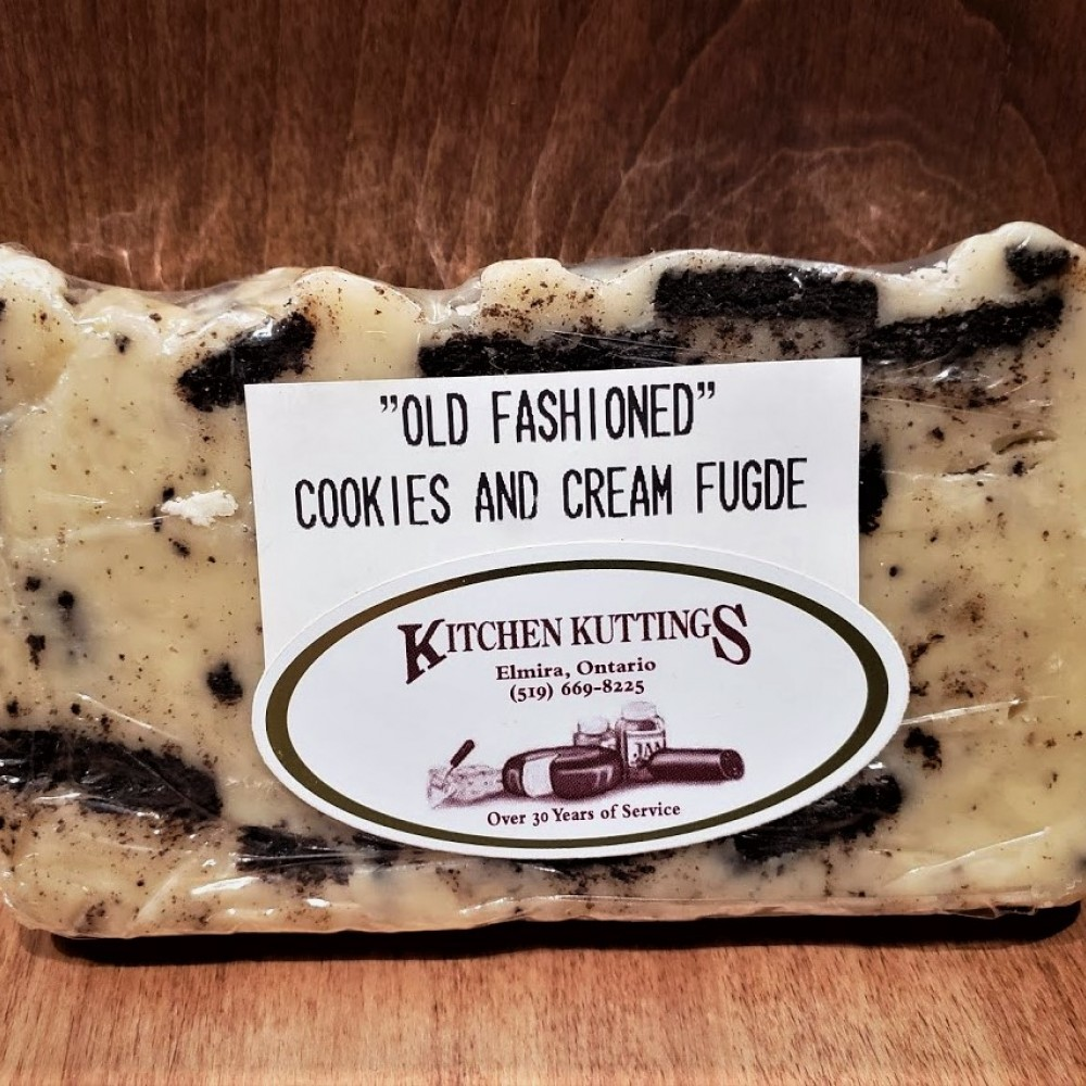 """Old Fashioned"" Cookies N' Cream Fudge"