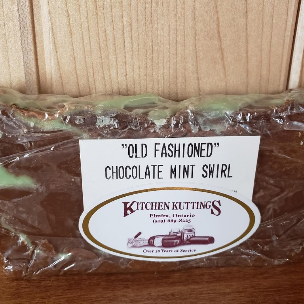 """""""Old Fashioned"""" Chocolate Mint Swirl Fudge"""